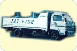 活魚トラック前