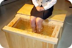 ひのき浴槽、足湯